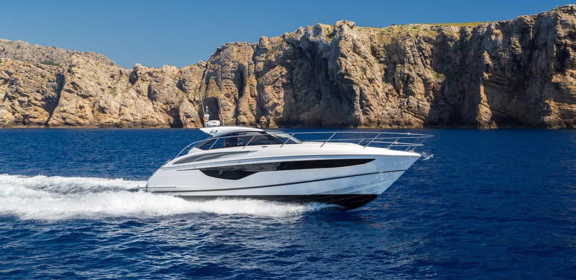 v40-exterior-white-hull-1a-e1604478641618-1920x935