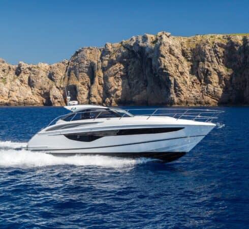 v40-exterior-white-hull-1a-e1604478641618-490x450