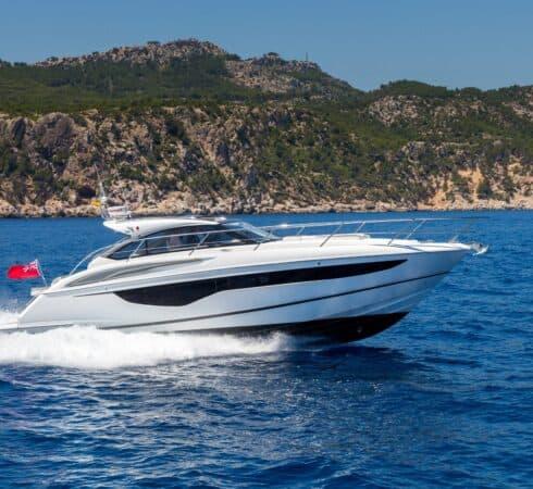v40-exterior-white-hull-4a-e1605428979184-490x450